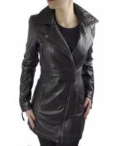 """Leder-Gehrock Model """"CARO"""" aus  softem und anschmiegsamen Lamm-Nappa-Echtleder in der Farbe schwarz."""